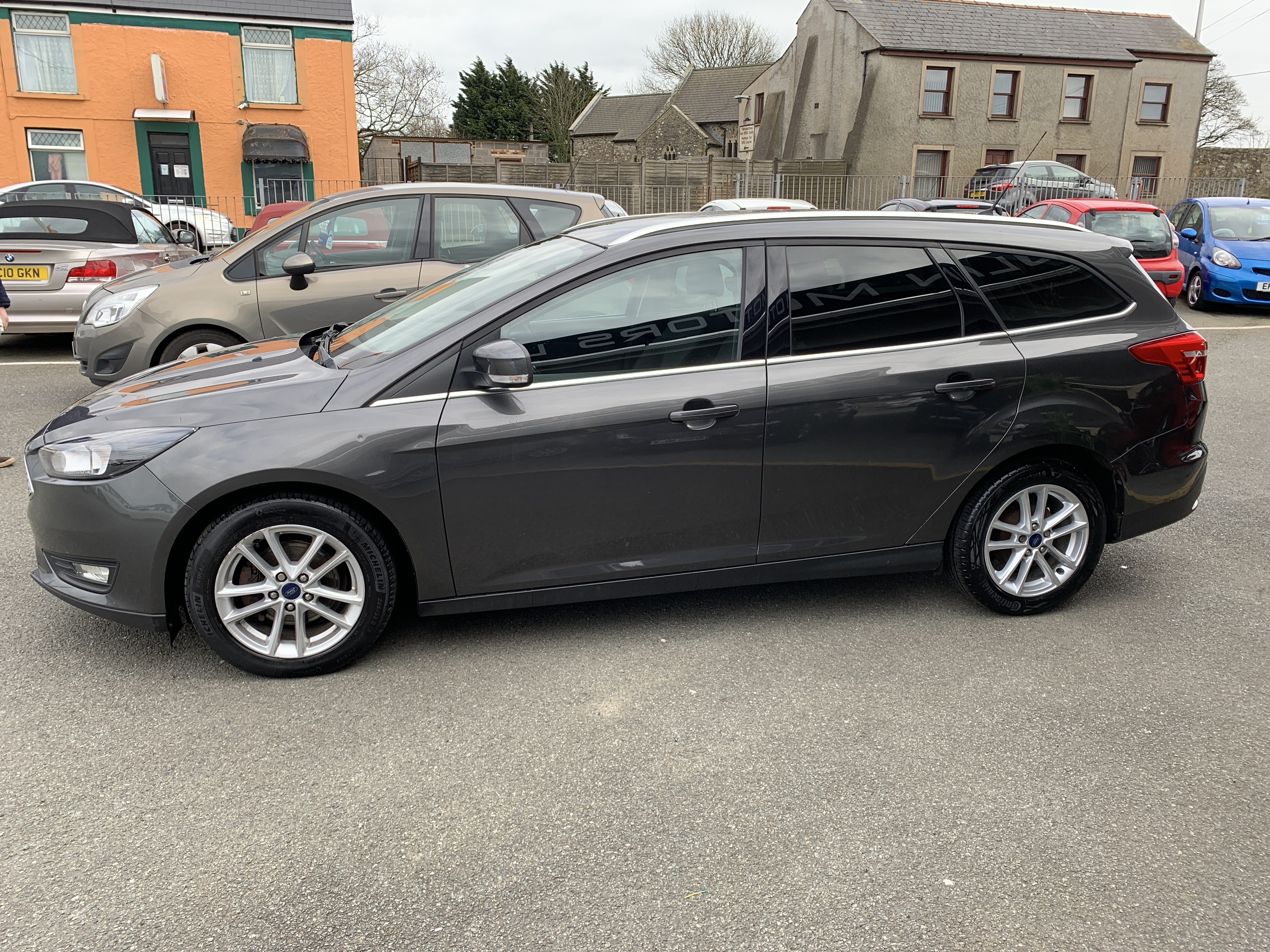 Ford FOCUS ZETEC TDCI for sale at Mike Howlin Motor Sales Pembrokeshire